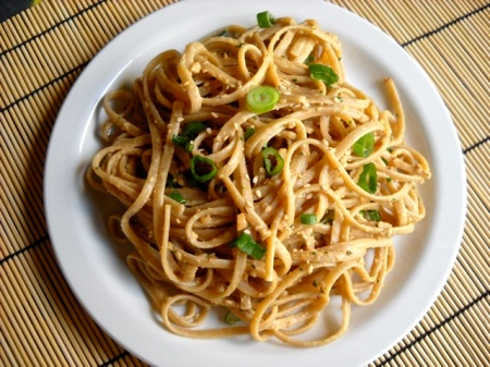 noodles with spicy peanut sauce